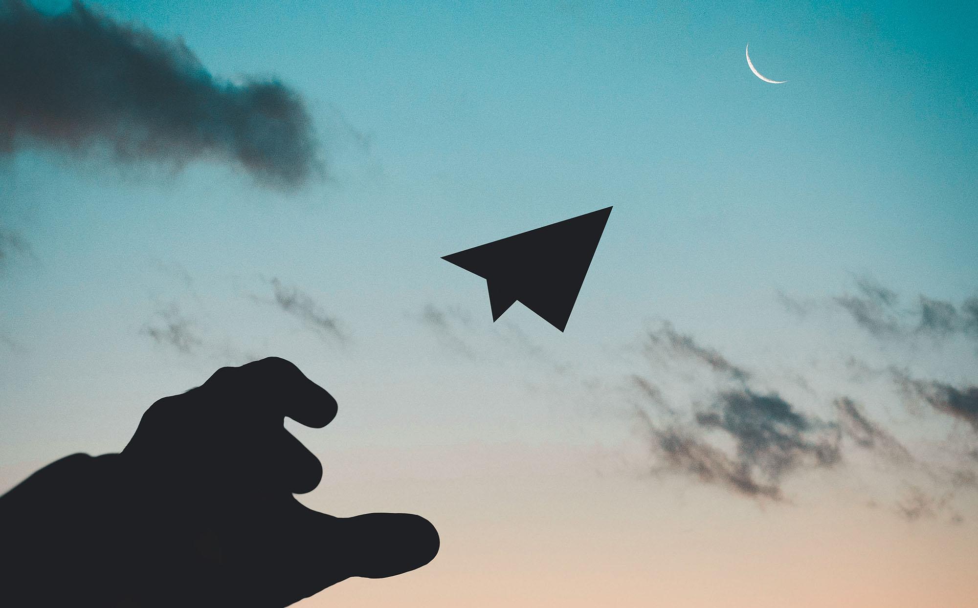 airplane-backlit-clouds-1262304