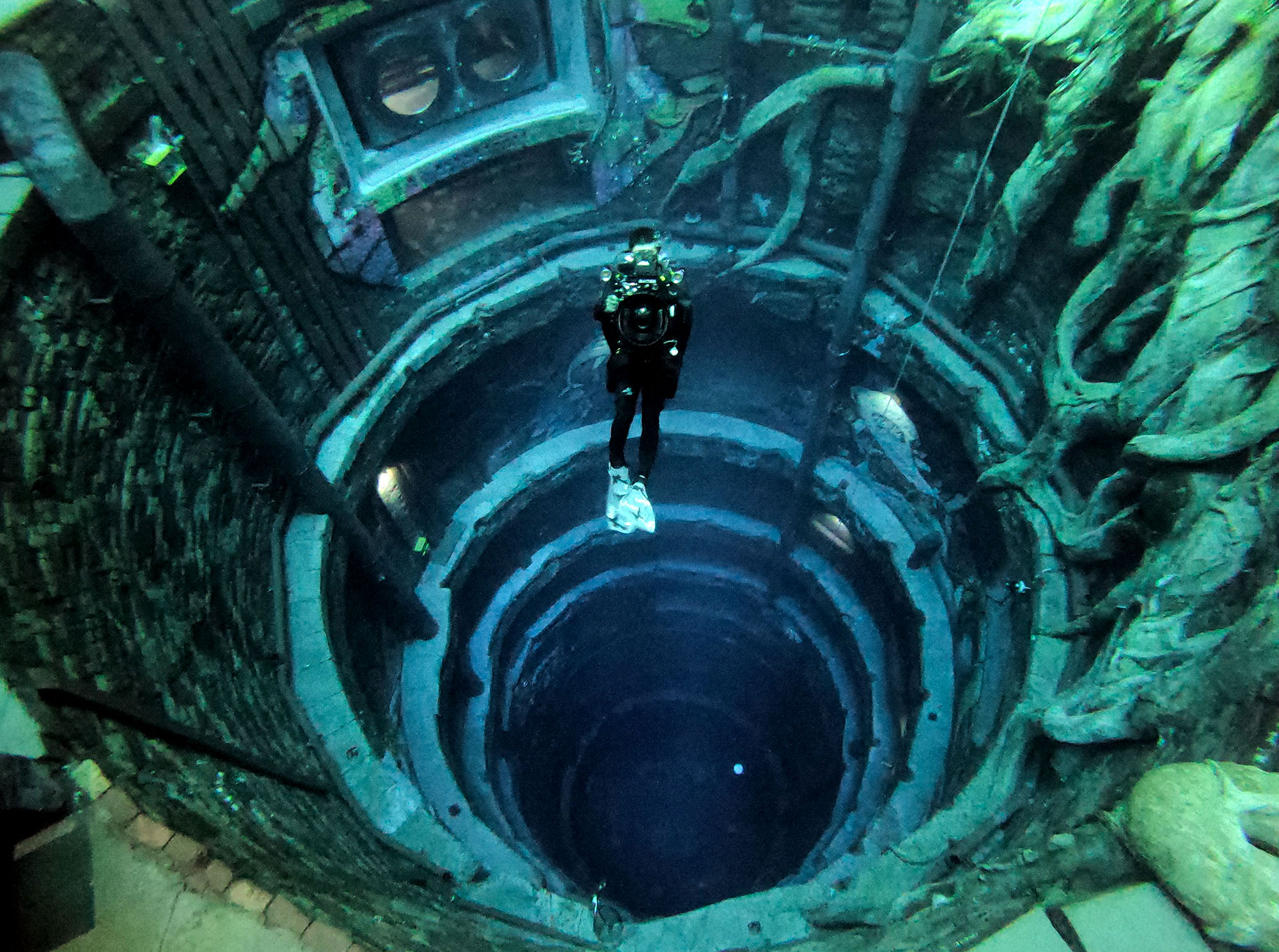 """Five Things To Know About Dubai's """"Deepest Pool In The World"""""""
