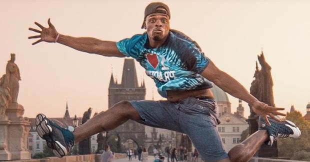 Phil Good: Sprinkling Positivity All Over Prague